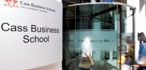 منح بكالوريوس في بريطانيا ممولة جزئيا في كلية كاس للأعمال لعام 2020