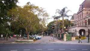 Mécanique (avec distinction), Queensland University of Technology, Australie